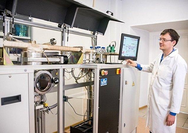 俄罗斯研制新半导体 其厚度是人类头发的五千分之一