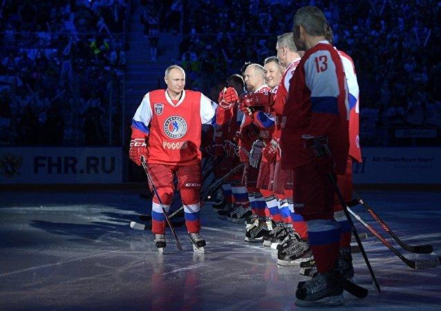 普京接受俄冰球名將打球邀請