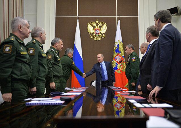 媒體:普京將在索契舉行軍隊發展會議