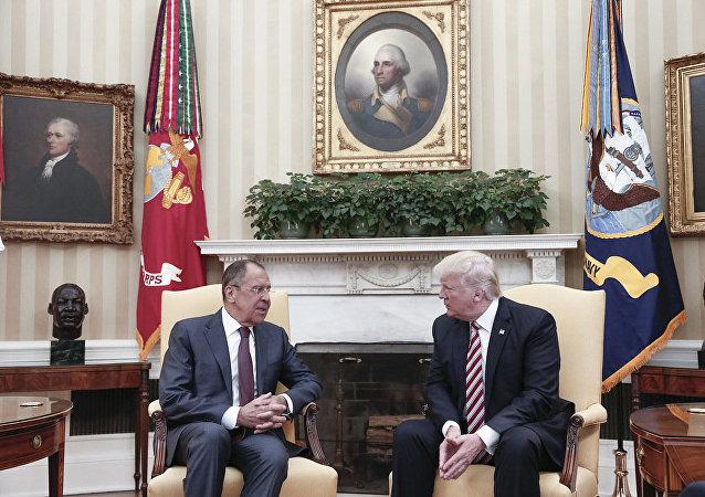 俄罗斯外长与美国总统特朗普