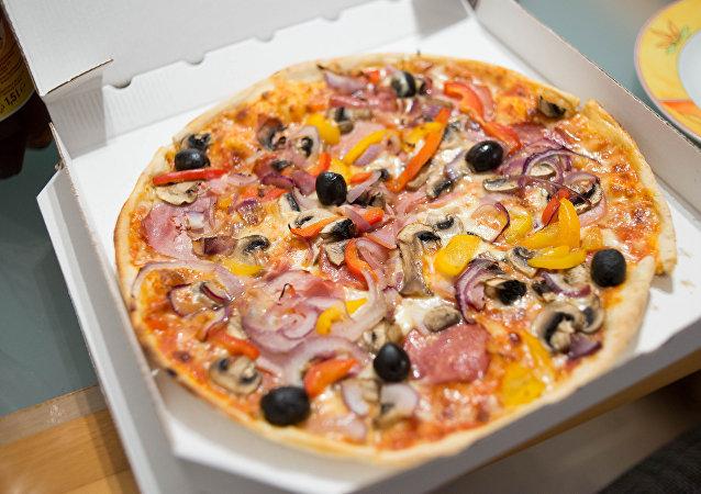报纸:一穆斯林在美国买到猪肉香肠披萨 要求赔偿一亿美元