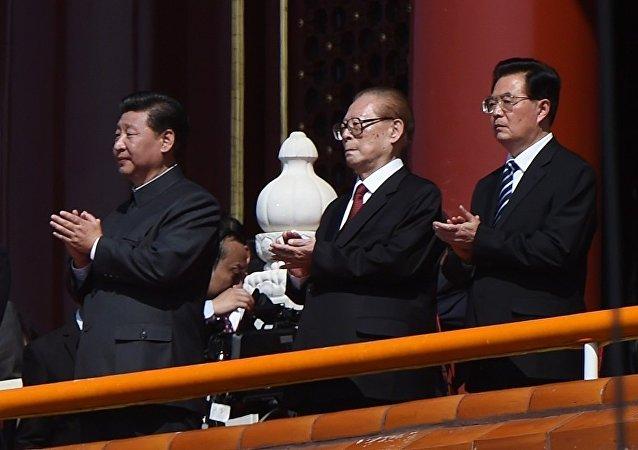 习近平、江泽民和胡锦涛出席抗战阅兵