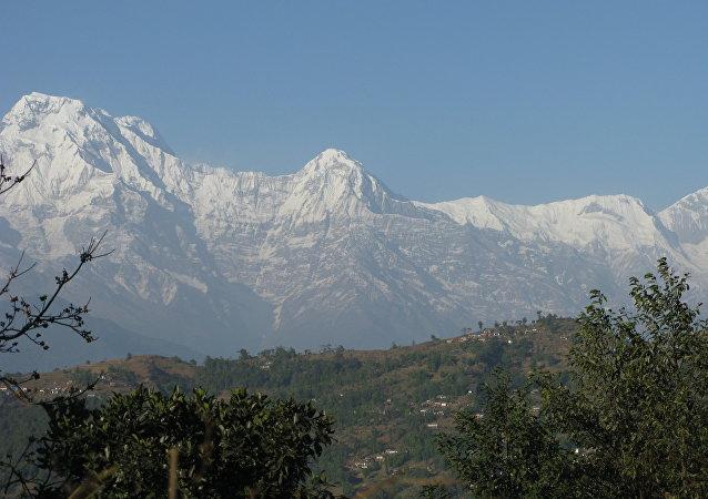 安纳布尔纳峰