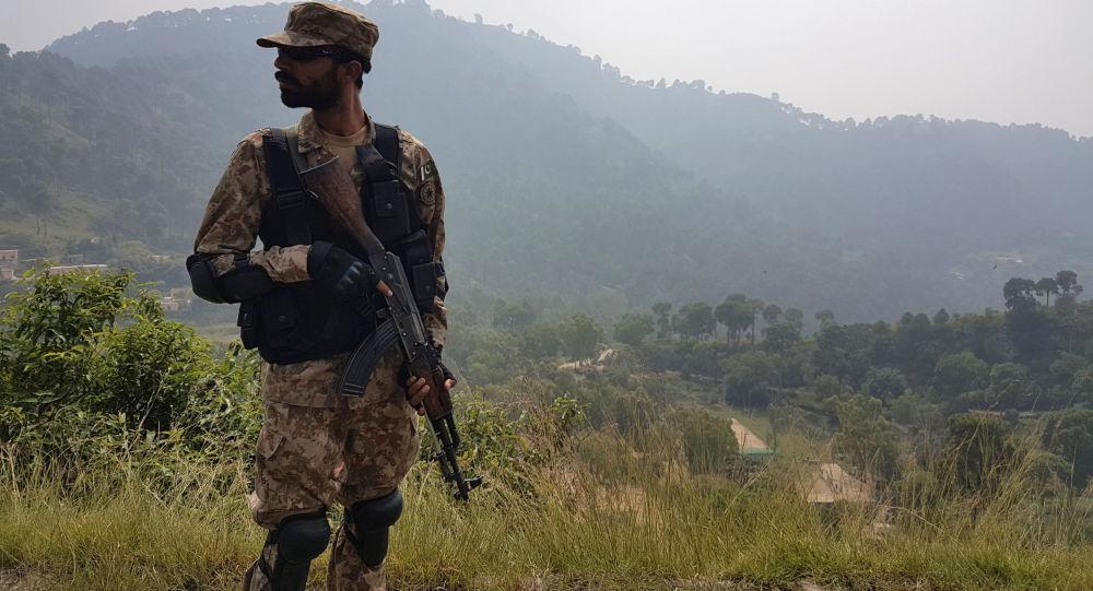 俄罗斯和巴基斯坦军方在高加索山区举行联合演习