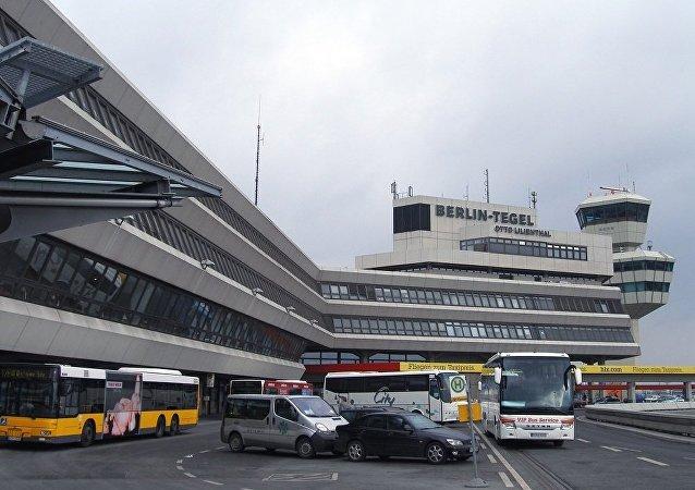 柏林舍内费尔德机场
