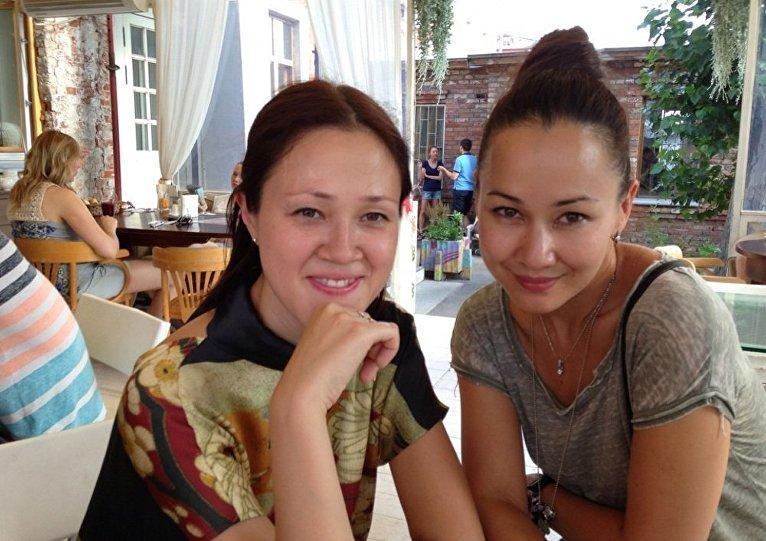 左贞观的女儿玛雅和叶甫盖尼娅