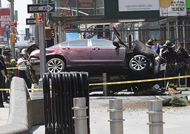 警方:纽约汽车冲撞人群事件与恐怖主义无关