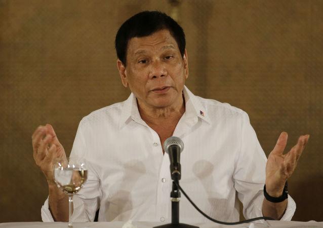 媒体:菲律宾总统承认反恐需有美国的协助