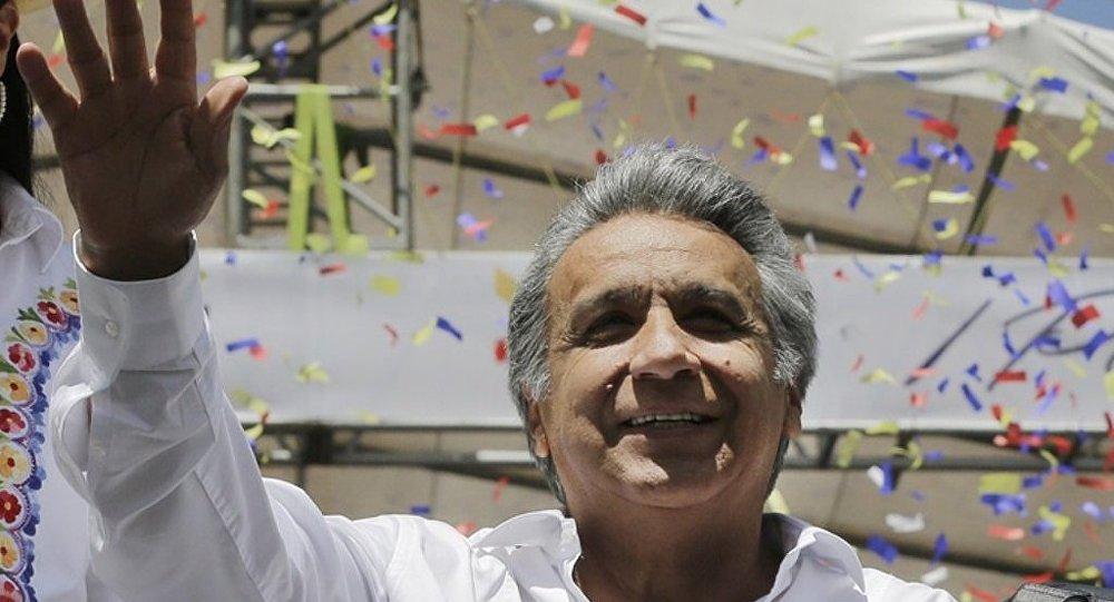 莫雷诺宣誓就职厄瓜多尔总统