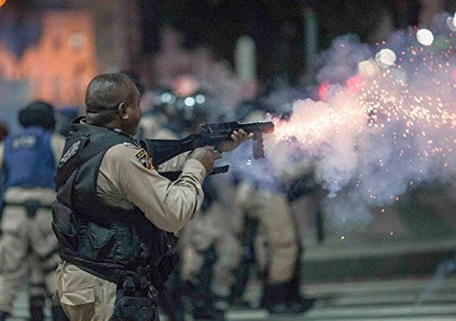 巴西骚乱约50人受伤