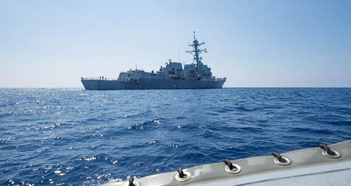 美国驱逐舰进入南海水域向中国发起挑衅