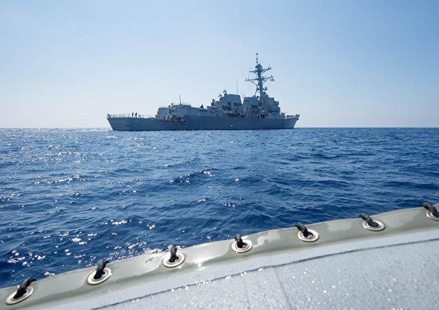 中国国防部:美国军舰擅闯南海只会加强中国军队防卫能力建设