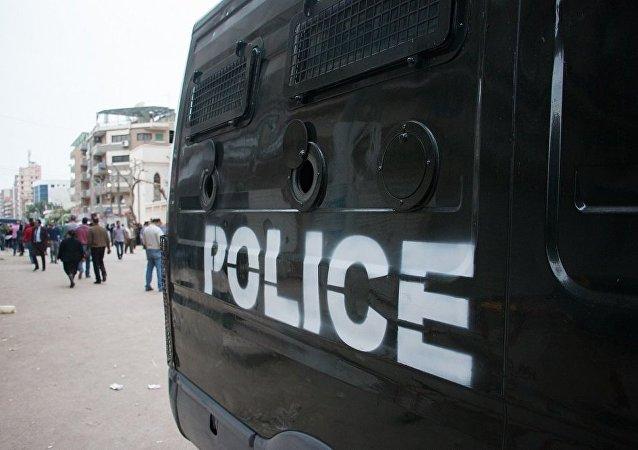 开罗路边炸弹致警察1死4伤