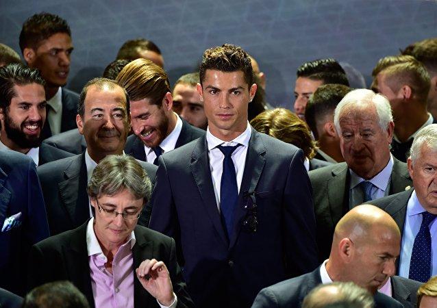 媒体:克里斯蒂亚诺∙罗纳尔多自愿缴纳600万欧元拖欠税款