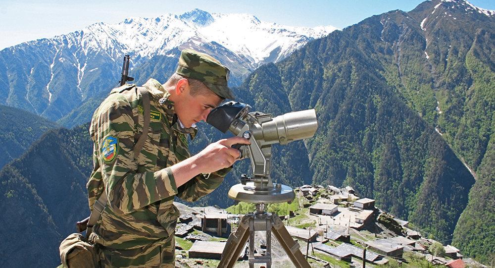 普京向边防人员祝贺节日并称赞其出色工作