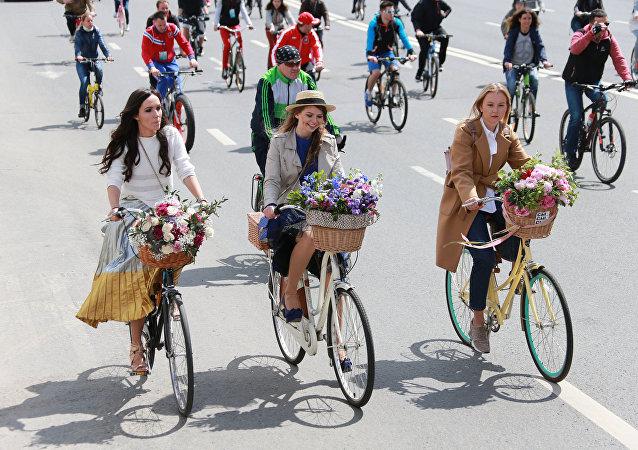 全俄自行车大巡游活动参加人数创纪录