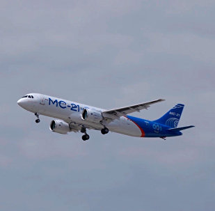 俄制新型客机MS-21在伊尔库茨克完成首次试飞