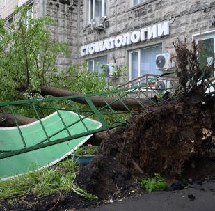 俄罗斯中央区暴风过后2.2万多人参与救灾