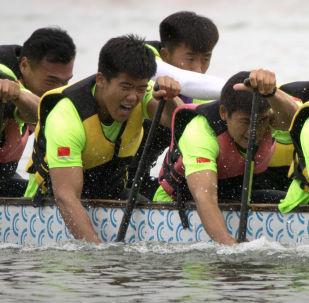 參加北京龍舟賽的龍舟隊