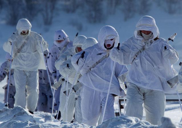 俄空降兵不计划长期驻扎北极