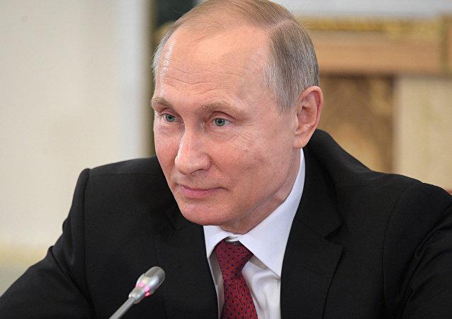 克宫:11位总统打电话祝贺普京生日快乐