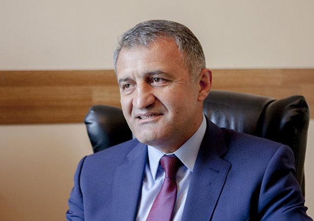 南奥塞梯总统比比洛夫