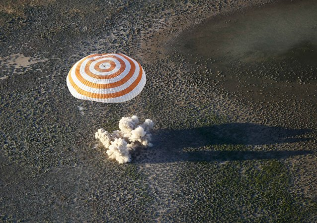 国际空间站宇航员返回地球