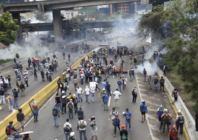 美国或对委内瑞拉石油业实施制裁