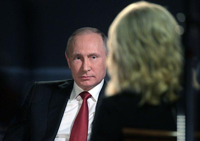 普京:美国干着肮脏的工作却指责他人
