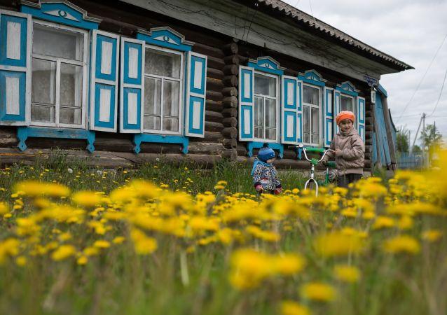 莫斯科因气候温暖春花夏草绽放