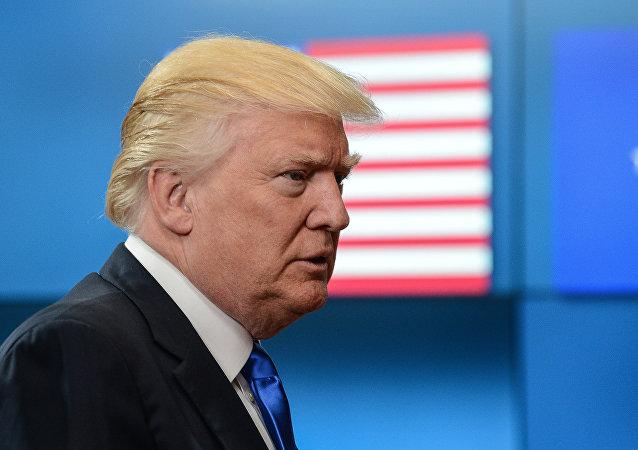 """民调:过半美国人认为特朗普对俄""""太友好"""""""