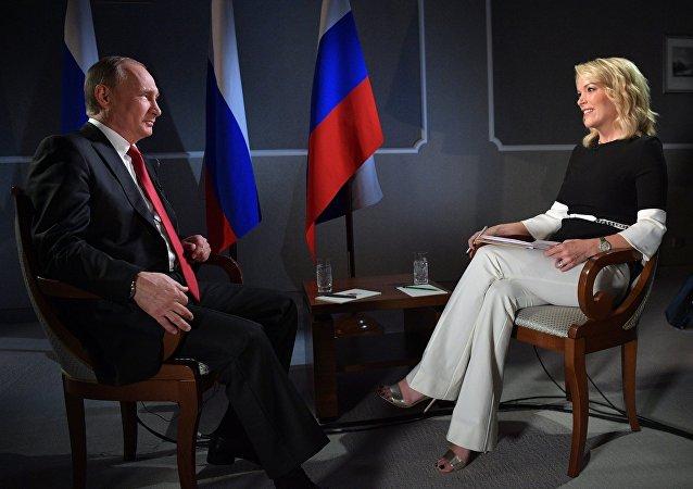 普京称呼吁不要害怕会在某个时候来接任他的人