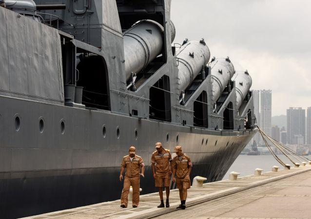 俄罗斯巡洋舰在香港