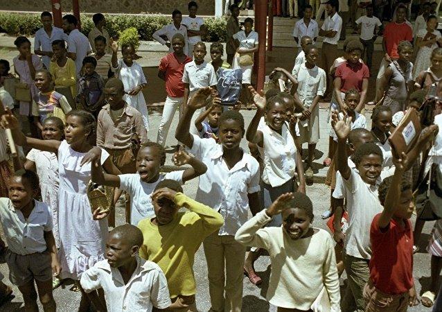 媒体:莫桑比克居民开始猎杀光头人士