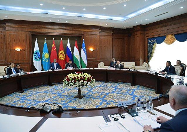 俄总统助理:上合组织下一届峰会将于2018年夏季在中国举行