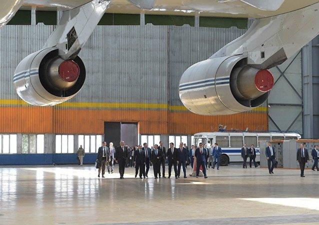 俄总理:俄罗斯飞机的订单将来自国内外市场