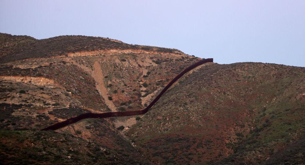 美国与墨西哥边界墙将盈利并弥补建设开销