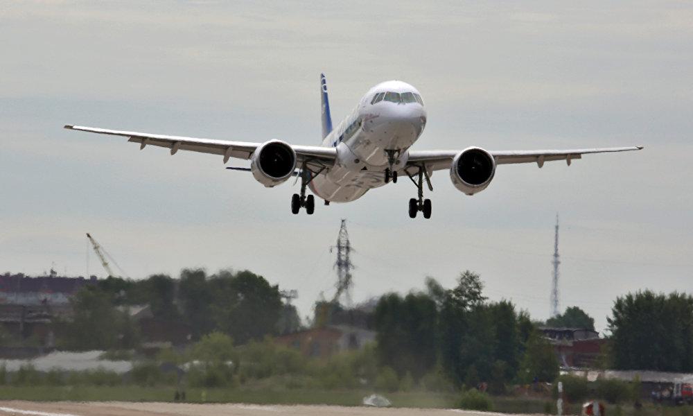 MC-21客机于2017年5月28日在伊尔库茨克飞机制造厂的机场进行首飞。飞机在1000米上空以300公里/小时的速度飞行