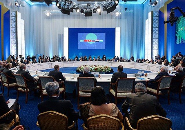阿总统:阿富汗支持上合组织反恐战略
