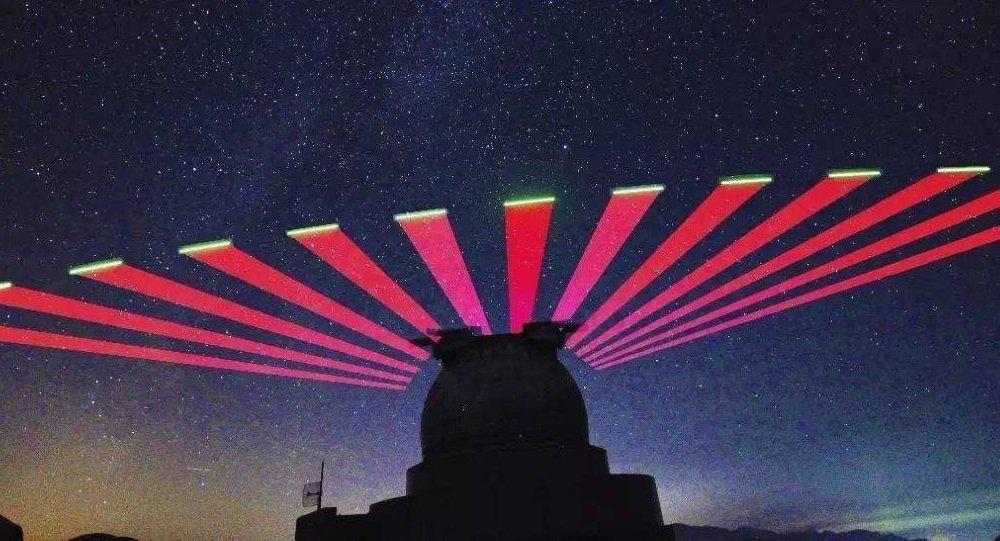 """兴隆站跟踪""""墨子号""""量子科学实验卫星的实景拍摄"""