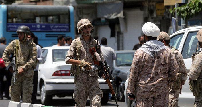 伊朗军方在边界地区击毙2名恐怖分子