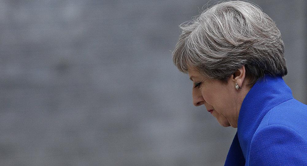 英国政府成员认为首相梅将在夏天辞职