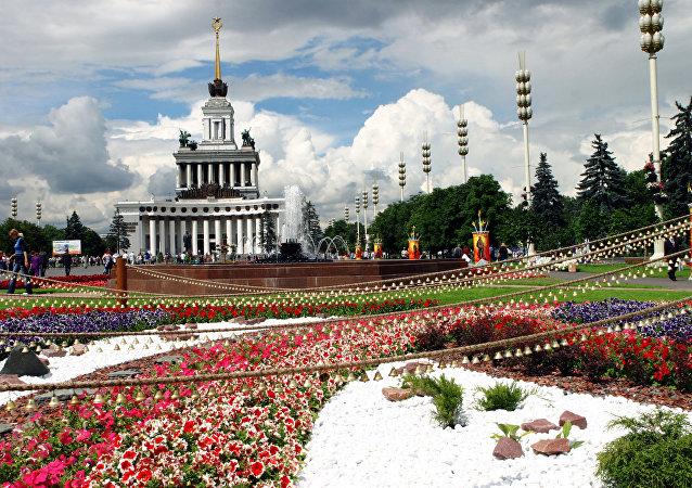 全俄国民经济成就展览馆椴树照明系统将可以通过短信来进行控制