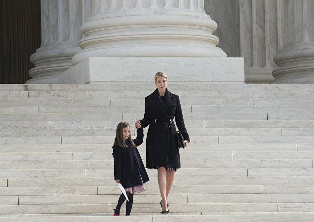 伊万卡∙特朗普和她的女儿阿拉贝拉