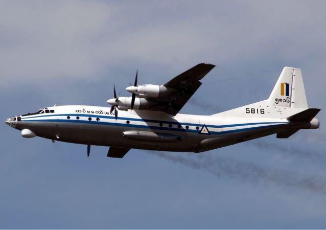 造运-8军事运输机