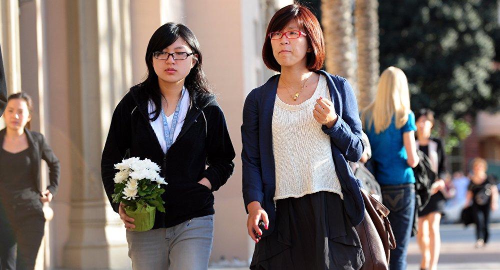 中国大学生在美国