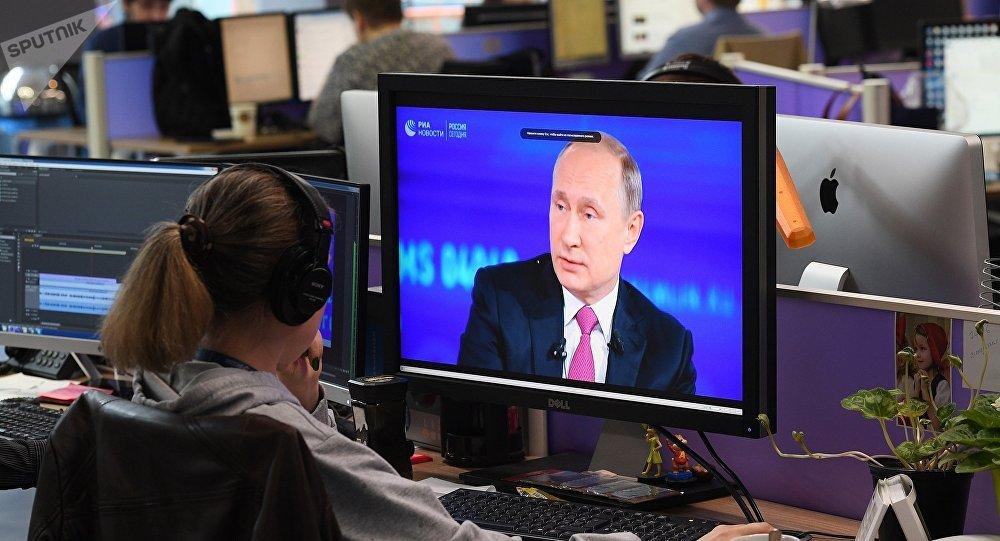"""民调:俄民众对与普京""""直播连线""""中印象最深的是肿瘤患者的吐槽"""