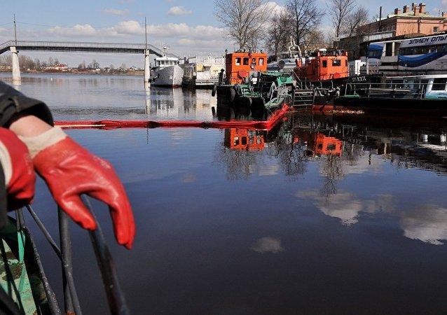 俄罗斯科学家研制出处理石油污染土壤的高效吸附剂