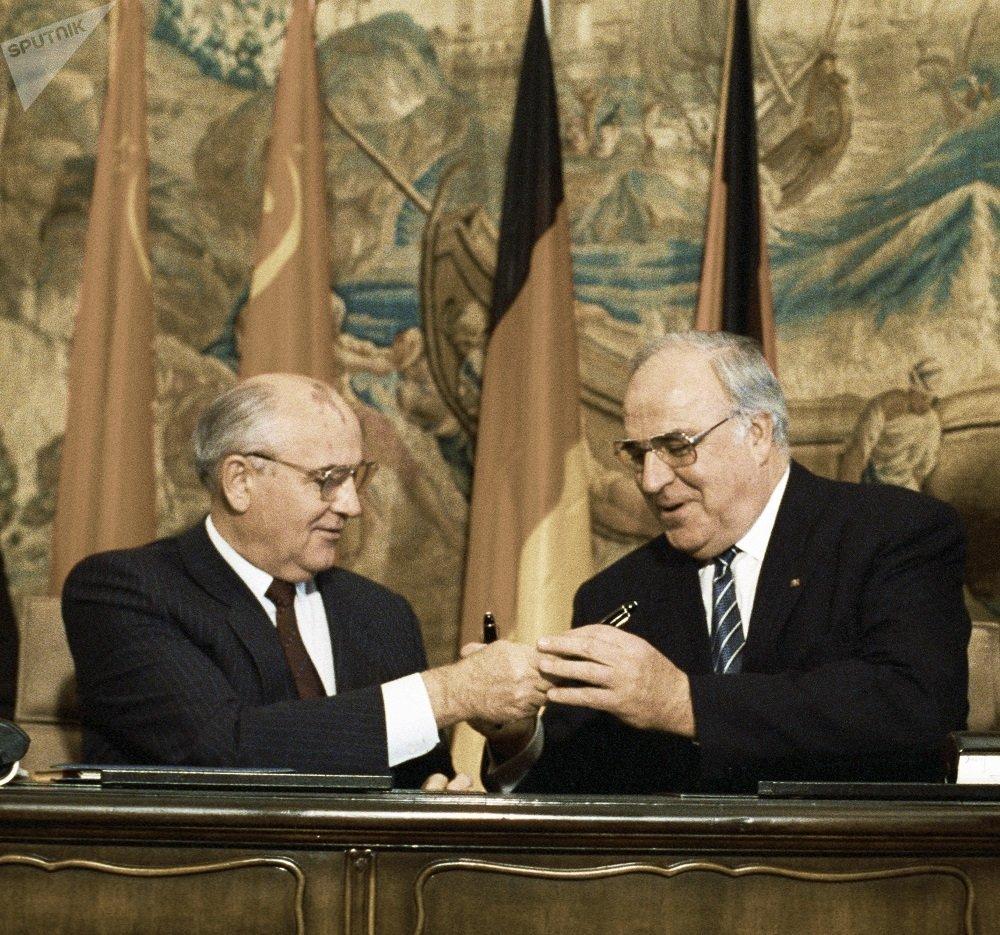 苏联总统 戈巴契夫与德国总理赫尔穆特·科尔(1990)