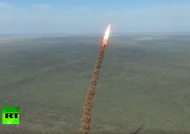 俄国防部:俄在哈萨克斯坦靶场成功试射一枚新型反导导弹